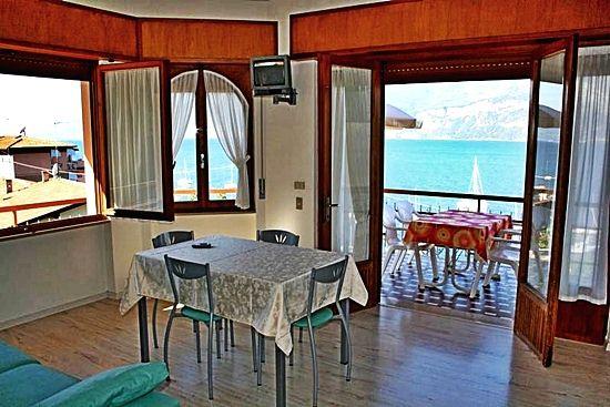 Apartment Gardasee für Familien mit herrlicher Seeblick in residence Gardasee Casa Maria