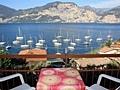 Das Bild zeigt Apartment Gardasee mit herrlicher Aussicht vom See